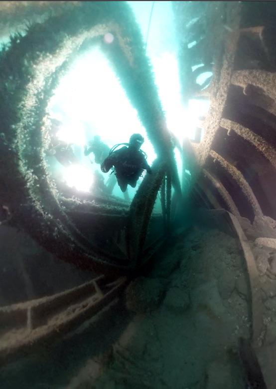 """Affiche Chasseur d'épaves : Episode Pilote """"le HMS Daffodil"""""""